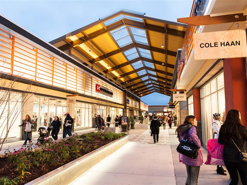 Premium Outlets in Detroit on palmmetrf1.ga See reviews, photos, directions, phone numbers and more for the best Outlet Stores in Detroit, MI. Start your search by typing in the business name below.