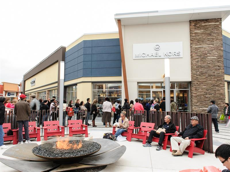 Tanger outlets ottawa on stores for Michaels craft store utah