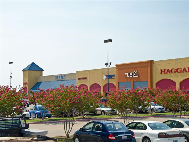 Tanger Outlet Centers offer 42 shopping outlet malls and more than brand name factory outlet stores in 26 states coast to coast and in Canada. Find a brand name outlet store nearest you .