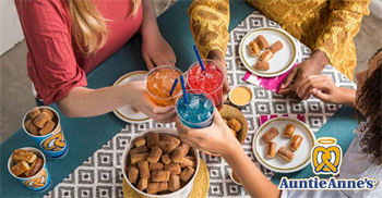 Auntie Anne's Pretzel Perfect / Planet Smoothie Art
